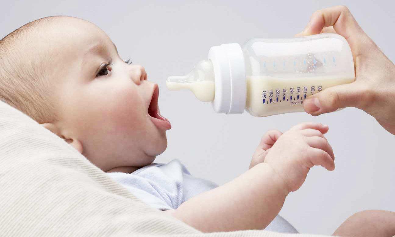Питание четырехмесячного малыша на искусственном вскармливании. Советы