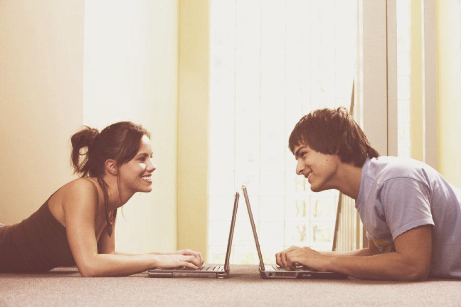Для соц знакомства общения сети