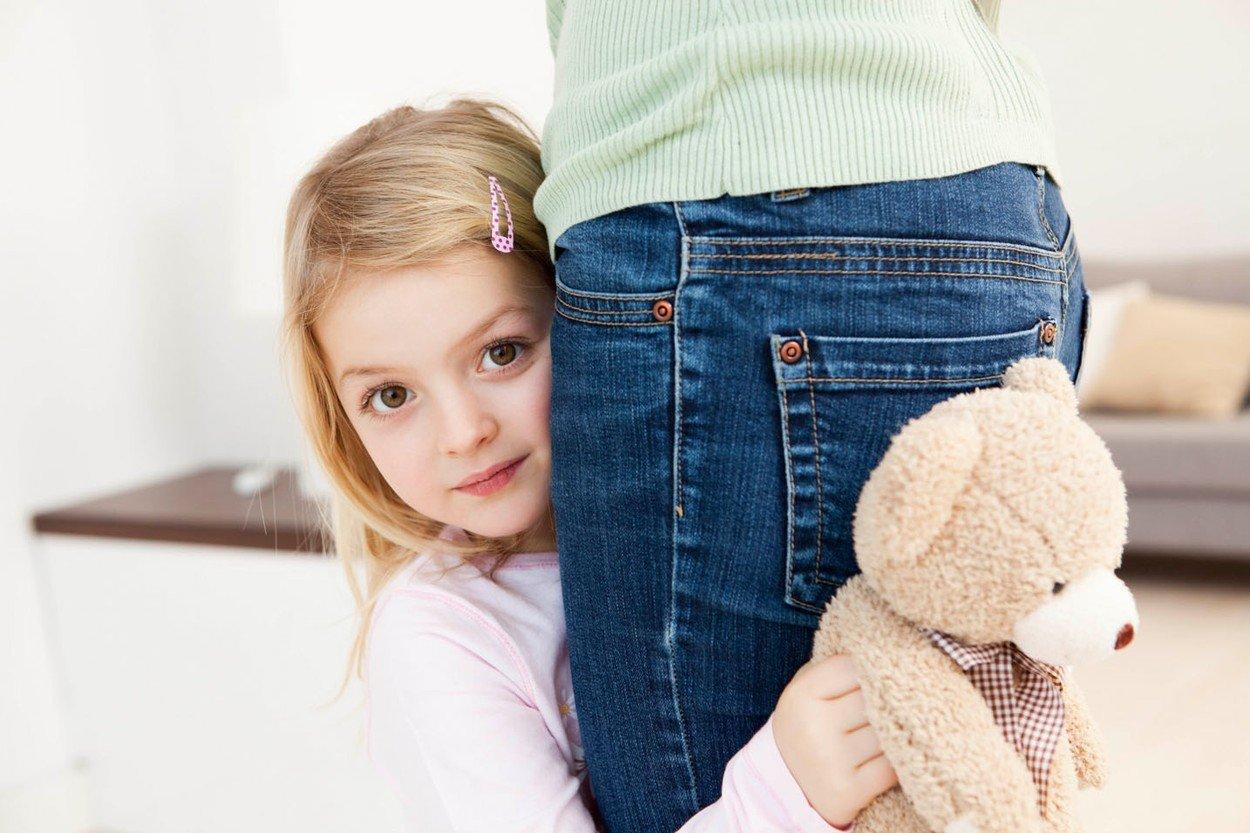 Что делать если ребенок стеснительный ему 3 года