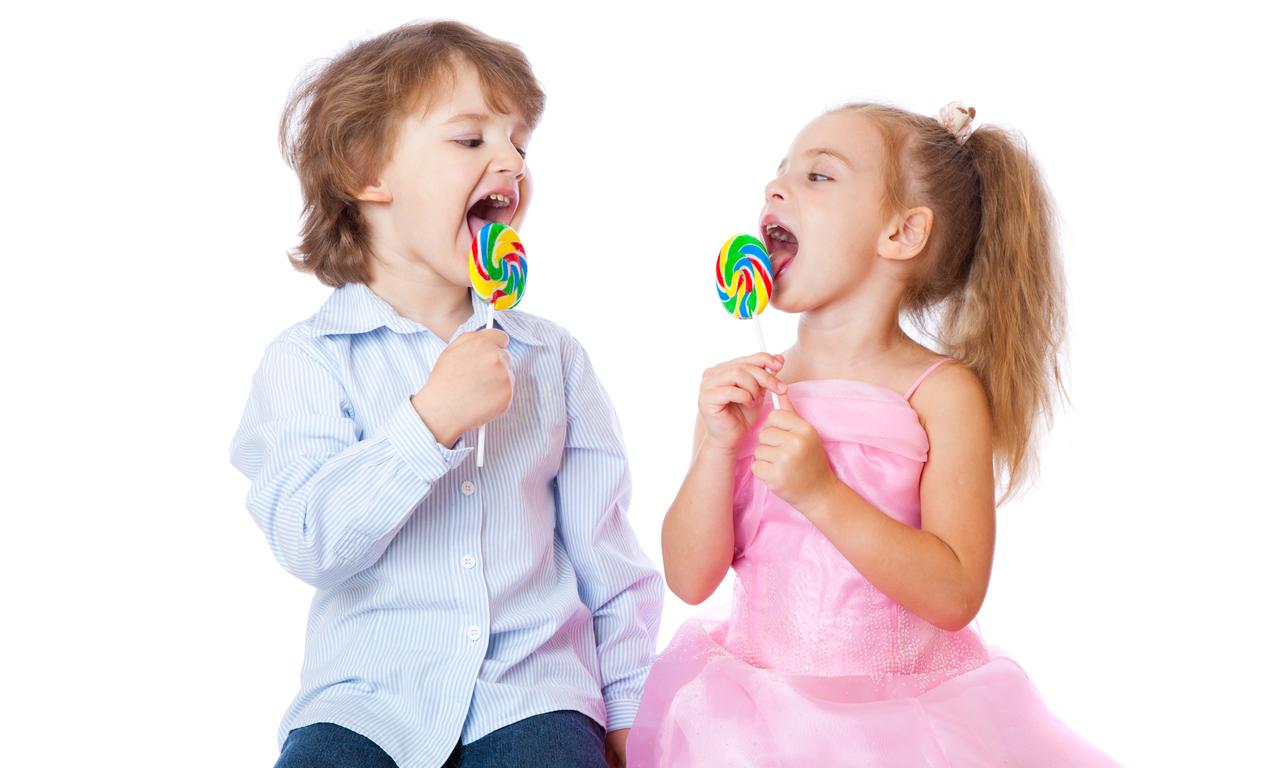Завтра отпуск, картинки дети с конфетами